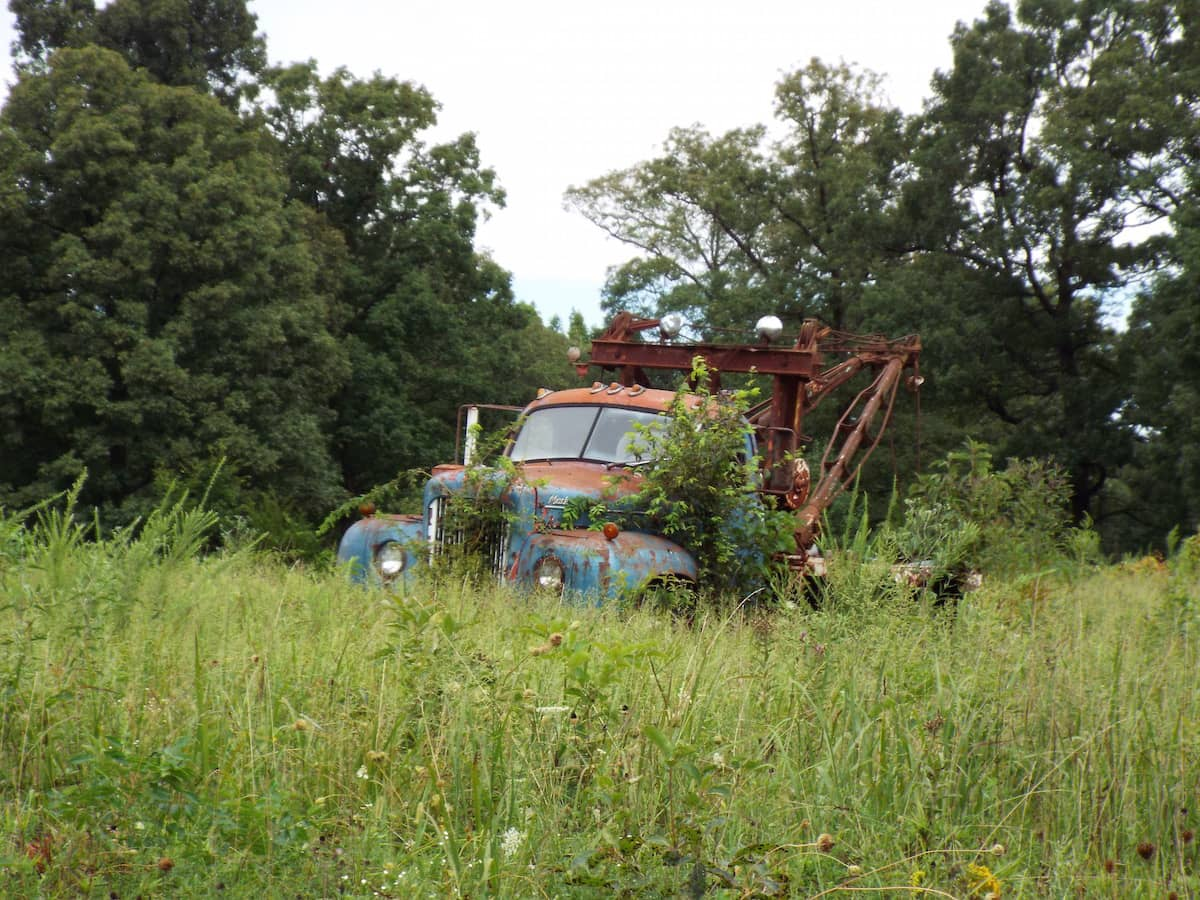 Abandoned clasicc American Tow Truck car on Route 66